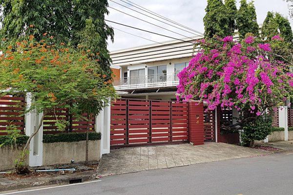 หมู่บ้านนวธานี บ้านเดี่ยว 274 ตารางวา ซอย2 ทำเลดี ใกล้ถนนใหญ่
